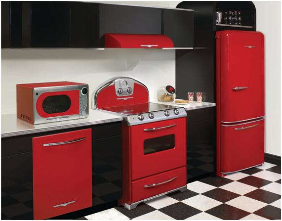 Resultado de imagem para cozinhas com fogões, geladeiras e microondas coloridos